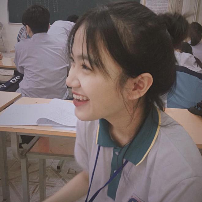 Bị chụp lén mà vẫn đẹp xuất sắc, nữ sinh 10X Chuyên Thái Nguyên nổi như cồn chỉ sau một đêm - Ảnh 3.