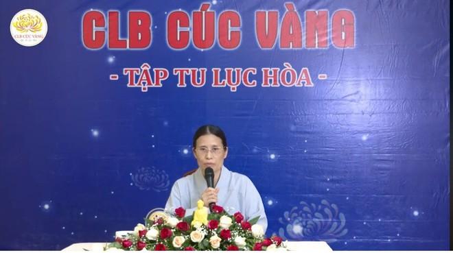 Bà Phạm Thị Yến lại đăng đàn thuyết giảng, chưa lên xin lỗi nhà nữ sinh giao gà - Ảnh 1.