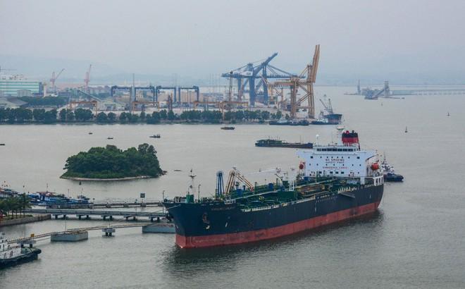 """Ứng xử khôn khéo với """"con dao hai lưỡi"""", Việt Nam sẽ tránh được nguy cơ trở thành """"bãi rác công nghệ"""" của TQ"""