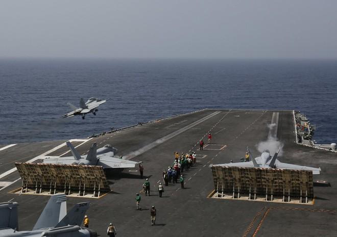 Đối đầu Mỹ - Iran: Cuộc chiến tranh tổng lực còn khủng khiếp hơn cả chiến tranh vùng Vịnh! - Ảnh 2.