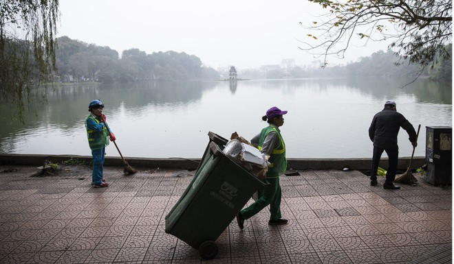 Nhận dao hai lưỡi từ TQ, Việt Nam cần làm gì để không trở thành bãi rác công nghệ của láng giềng? - Ảnh 2.