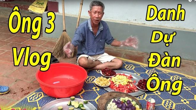 Thấy cô em tên Tân hot rần rần MXH, Ông 3 Vlog U80 ra tay làm thau hoa quả dầm lấy lại danh dự cho cánh đàn ông - Ảnh 2.
