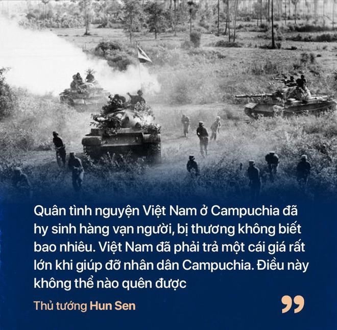 Chiến tranh biên giới Tây Nam: Khmer Đỏ thì lùa dân vào rừng bỏ đói, bộ đội Việt Nam giải cứu dân rồi cho ăn uống - Ảnh 10.