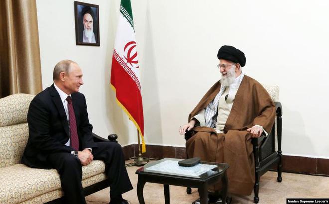 """""""Mơ"""" một ngày được cùng Nga """"kề vai sát cánh"""" chống Iran, Mỹ hãy cứ đợi ông Putin """"ngẫm nghĩ""""?"""