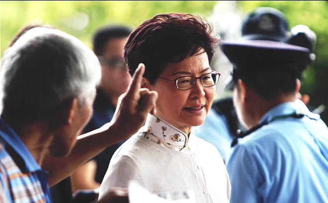 Bị dọa giết, Đặc khu trưởng Hong Kong vẫn kiên quyết thông qua dự luật dẫn độ