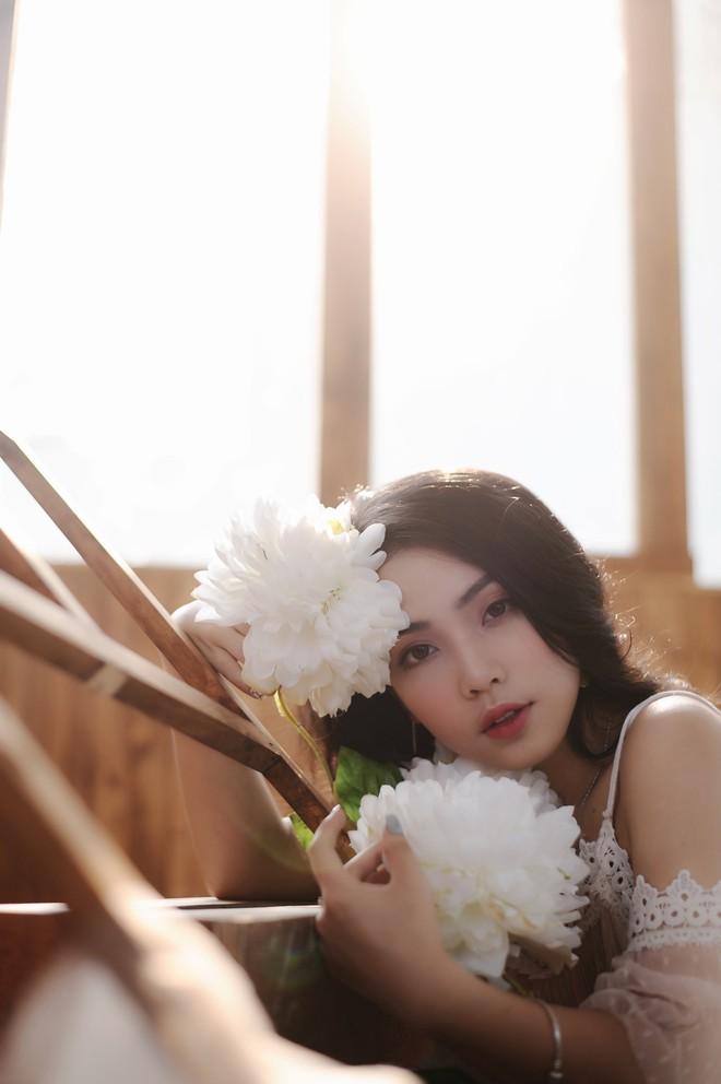 Nhan sắc xinh đẹp của nữ ca sĩ KALYN - học trò Dương Hoàng Yến - ảnh 4