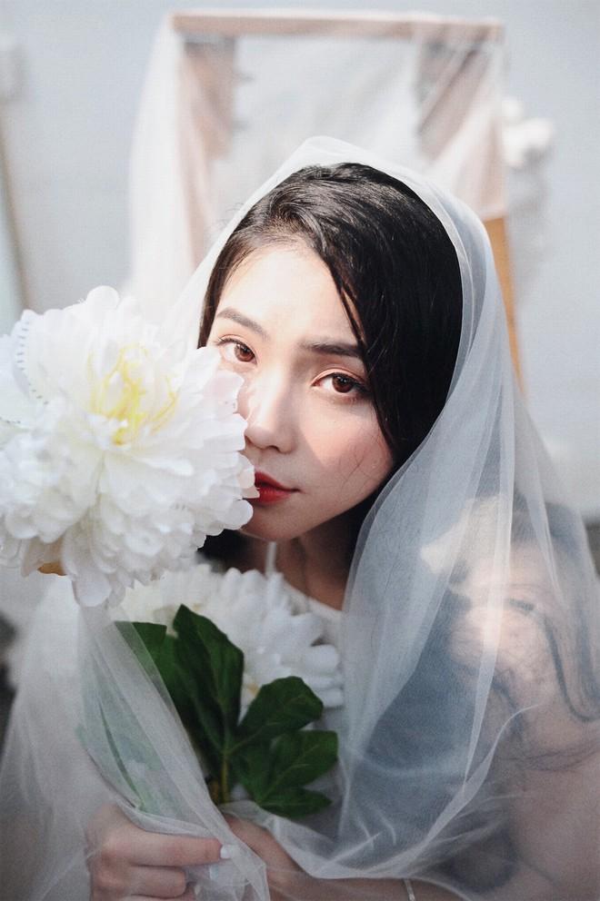 Nhan sắc xinh đẹp của nữ ca sĩ KALYN - học trò Dương Hoàng Yến - ảnh 6