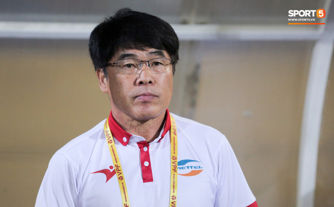 Vừa về Việt Nam, Quế Ngọc Hải, Tiến Dũng nhận tin không vui về trước vòng 13 V.League 2019