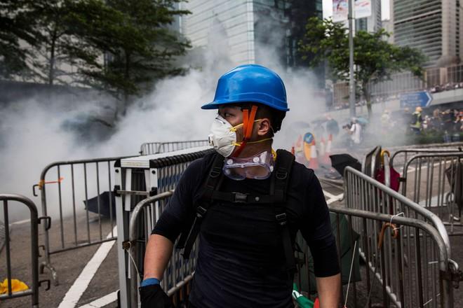 Hồng Kông hỗn loạn dưới sức ép của biển người biểu tình chống dẫn độ: Đài Loan lên tiếng - Ảnh 2.