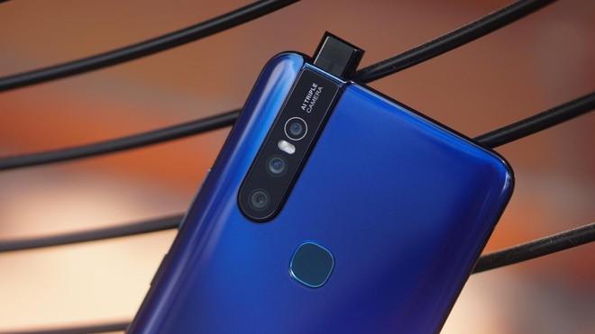 """Cuối tuần làm gì mà không """"săn"""" smartphone Vivo mới nhất, giá hấp dẫn tại Thế Giới Di Động - Ảnh 1."""