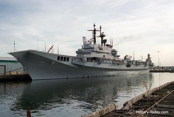 Khám phá sức mạnh hàng không mẫu hạm nhỏ nhất châu Âu - ảnh 5