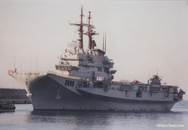 Khám phá sức mạnh hàng không mẫu hạm nhỏ nhất châu Âu - ảnh 6