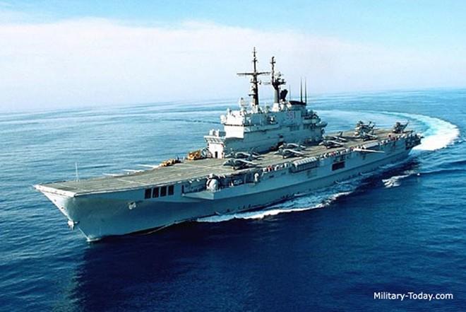 Khám phá sức mạnh hàng không mẫu hạm nhỏ nhất châu Âu - ảnh 8