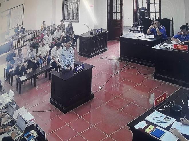 Vụ án chạy thận Hoà Bình: Vì sao các gia đình bị hại chỉ xin giảm án cho Hoàng Công Lương? - ảnh 1