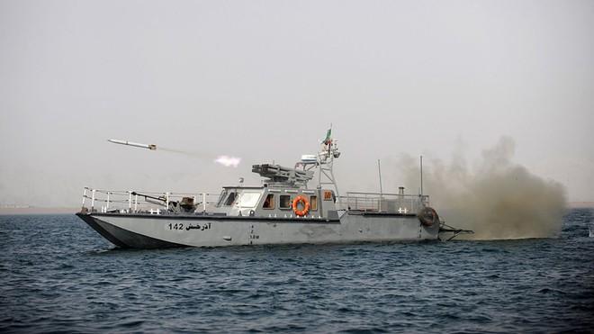 Tàu dầu bị tấn công: Hạm đội 5 Mỹ báo động khẩn, chiến sự có thể nổ ra bất cứ lúc nào? - ảnh 2