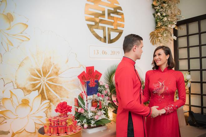 Toàn cảnh lễ ăn hỏi tại nhà phố cổ của siêu mẫu Phương Mai và chồng Tây gia thế khủng  - Ảnh 16.