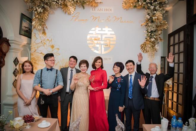 Toàn cảnh lễ ăn hỏi tại nhà phố cổ của siêu mẫu Phương Mai và chồng Tây gia thế khủng  - Ảnh 9.