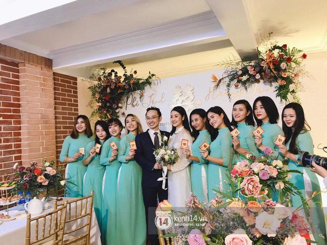 Chồng sắp cưới xúc động, dành nụ hôn tình cảm cho MC Phí Linh trong đám hỏi - Ảnh 10.