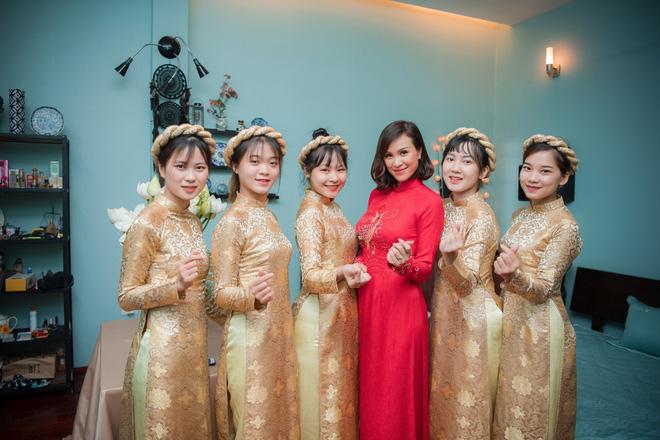 Toàn cảnh lễ ăn hỏi tại nhà phố cổ của siêu mẫu Phương Mai và chồng Tây gia thế khủng  - Ảnh 10.