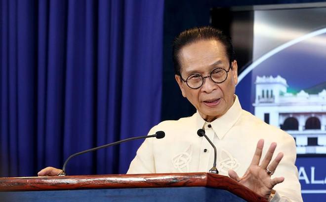 """TQ-Philippines đối đáp chan chát về vụ đâm tàu bỏ chạy: Bị TQ chỉ trích """"vô trách nhiệm"""", Philippines nói gì?"""