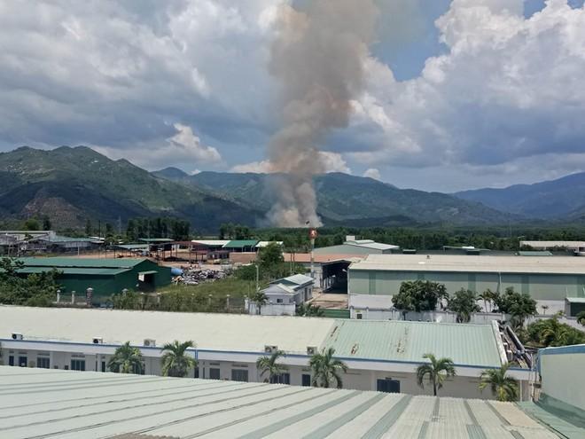 Máy bay quân sự rơi ở Khánh Hòa, 2 phi công hy sinh - Ảnh 3.