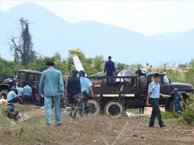 Máy bay quân sự rơi ở Khánh Hòa, 2 phi công hy sinh - Ảnh 5.