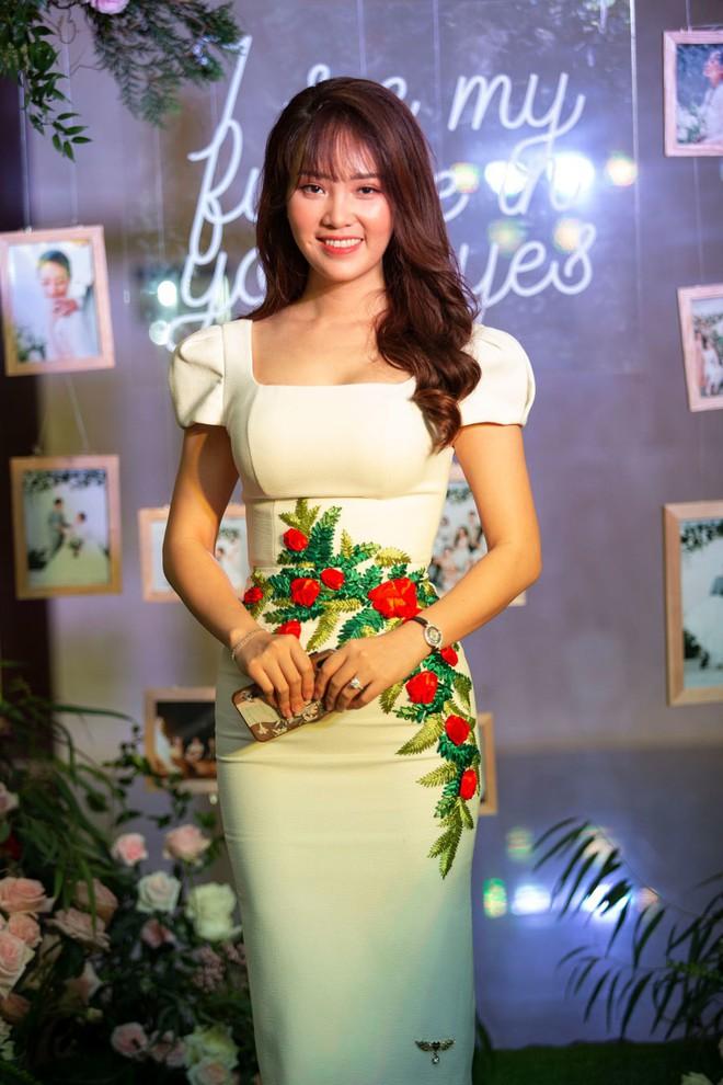 Biên tập viên VTV tiết lộ chuyện tình với MC Phí Linh trong lễ cưới - Ảnh 8.