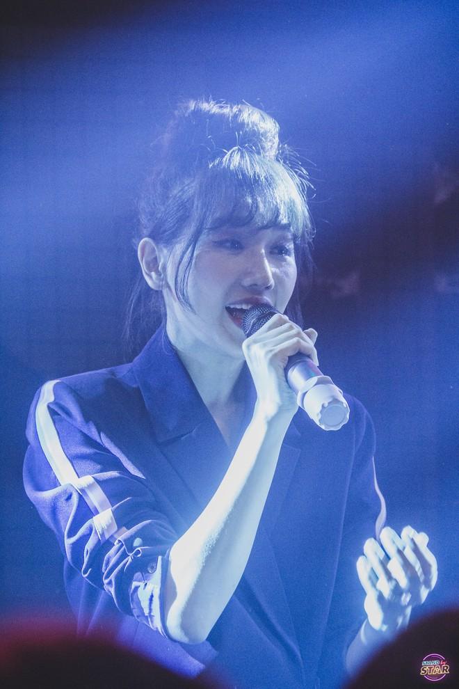 Hari Won, Hòa Minzy, Bùi Anh Tuấn mang loạt hit tên tuổi lên sân khấu Stand by star - Ảnh 4.