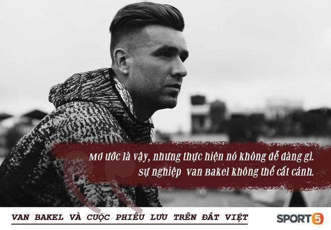 """Bóng đá Việt qua con mắt ngoại binh (kỳ 1): Trung vệ điển trai Danny van Bakel và cuộc phiêu lưu trên đất Việt, bắt đầu từ căn phòng bẩn thỉu đến """"lợn cũng không thèm ở - Ảnh 1."""