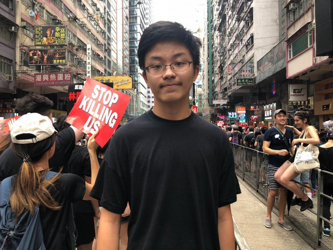 Biển đen ở Hong Kong: Người biểu tình chiếm đóng các ngả đường chính, Đặc khu trưởng buộc phải xin lỗi - Ảnh 18.