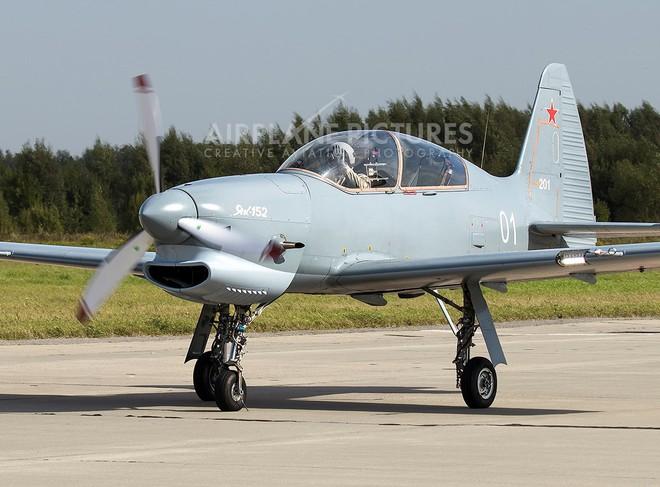 [ẢNH] Yak-152, sự thay thế hoàn hảo cho lão tướng Yak-52 - ảnh 3