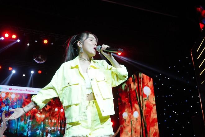 Khán giả thích thú khi Mỹ Tâm ngẫu hứng hát tiếng Hàn - Ảnh 13.