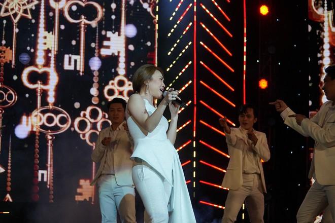Khán giả thích thú khi Mỹ Tâm ngẫu hứng hát tiếng Hàn - Ảnh 3.