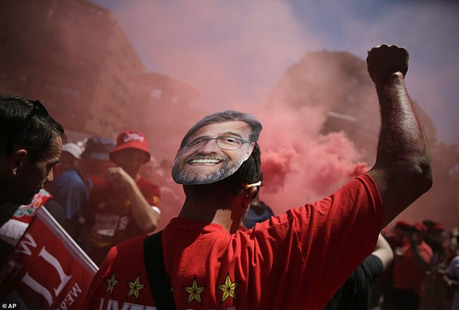 Vô địch Champions League mới là bước đầu tiên trong chuỗi ngày hủy diệt của Liverpool - Ảnh 1.