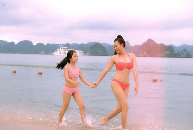Bỏng mắt với ảnh bikini của 3 mỹ nhân phim truyền hình khung giờ vàng - Ảnh 2.