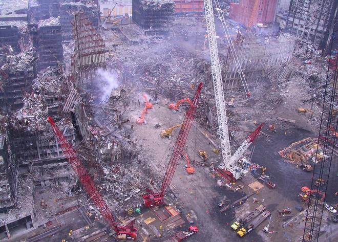 Tang thương ngày 11/9: Ảnh hiếm về sự kiện khủng bố Mỹ chưa từng công bố - ảnh 1