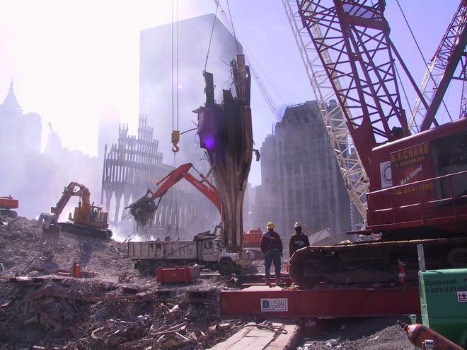 Tang thương ngày 11/9: Ảnh hiếm về sự kiện khủng bố Mỹ chưa từng công bố - ảnh 6