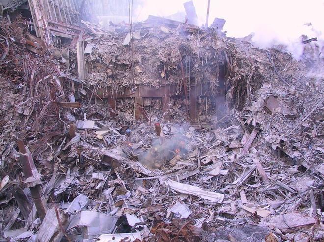 Tang thương ngày 11/9: Ảnh hiếm về sự kiện khủng bố Mỹ chưa từng công bố - ảnh 10