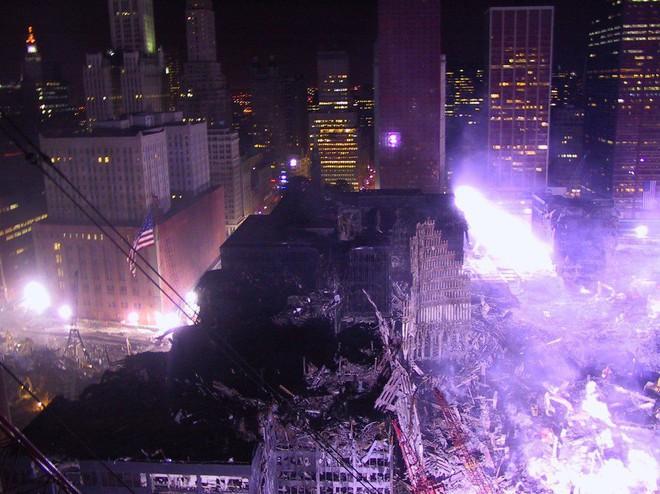 Tang thương ngày 11/9: Ảnh hiếm về sự kiện khủng bố Mỹ chưa từng công bố - ảnh 14