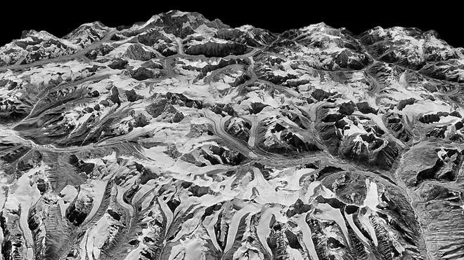 Vệ tinh gián điệp phát hiện bất thường ở dãy Himalaya, cảnh báo tai họa cho gần 1 tỉ người - ảnh 1