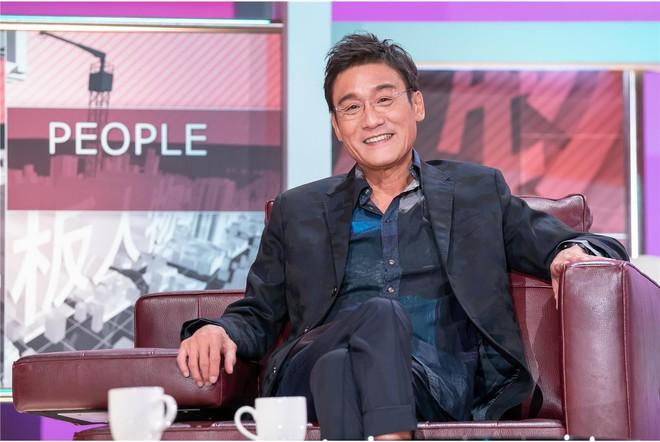 Ảnh đế Lương Gia Huy nói về cuộc hôn nhân 32 năm và danh hiệu người đàn ông tốt nhất showbiz - ảnh 1