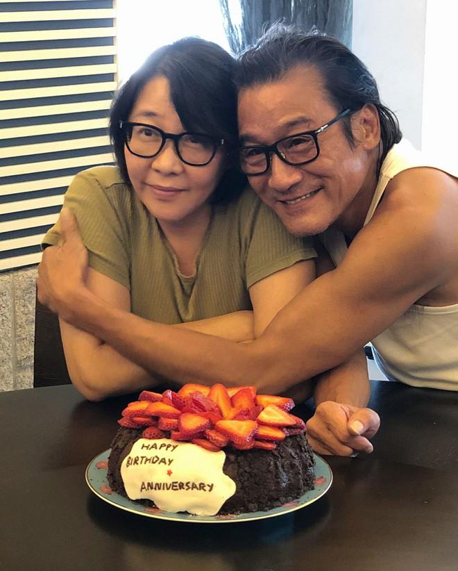 Ảnh đế Lương Gia Huy nói về cuộc hôn nhân 32 năm và danh hiệu người đàn ông tốt nhất showbiz - ảnh 2