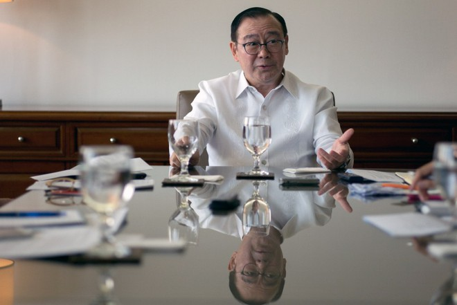 TQ muốn điều tra chung vụ đâm tàu: TT Duterte hoan nghênh, ngoại trưởng lại nói không - ảnh 1