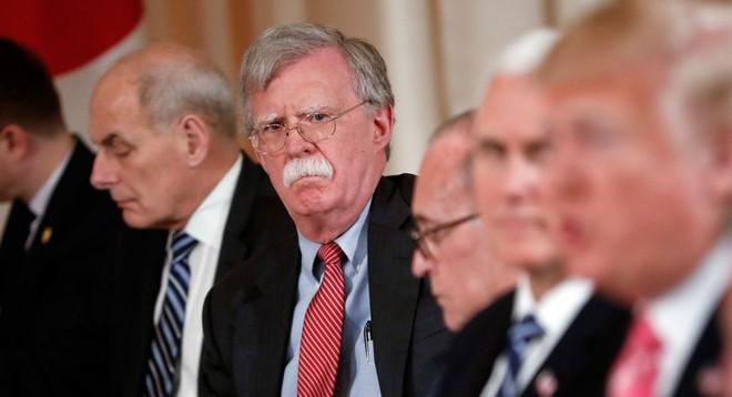 Bộ 3 diều hâu ép Tổng thống Trump cứng rắn hơn với Iran - Ảnh 1.