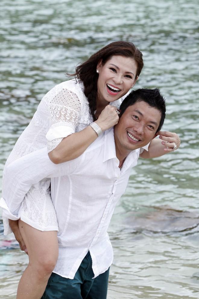 Kinh Quốc: Mọi người đồn tôi lấy vợ đại gia như thể đào mỏ vậy. Vợ cho cái xe 6 tỉ, tôi chạy chưa tới 10 lần! - Ảnh 5.