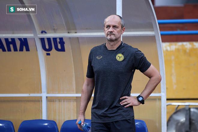 Thua đau Hà Nội FC, HLV Ceres Negros vẫn ca ngợi: Quang Hải có thể đá ở châu Âu - Ảnh 1.