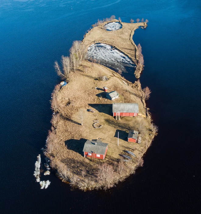 Đảo tí hon Kotisaari bốn mùa thay lá đẹp như trong cổ tích, ai nhìn cũng ao ước được đặt chân đến một lần trong đời - Ảnh 2.