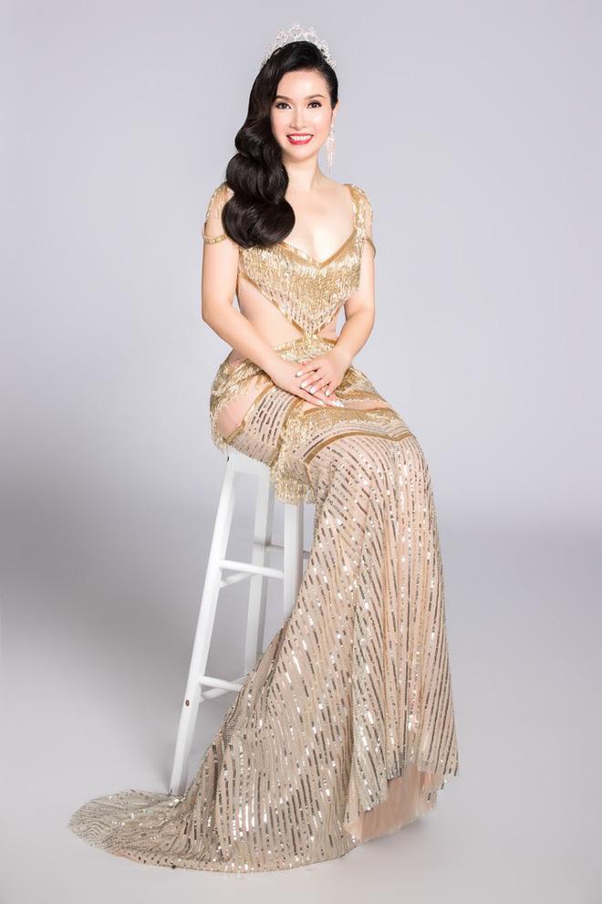 Soi đường học vấn của các Hoa hậu Việt: Đỗ Mỹ Linh hạnh phúc nhận tấm bằng vẻ vang, Kỳ Duyên tốt nghiệp hay chưa vẫn là dấu hỏi lớn - ảnh 2