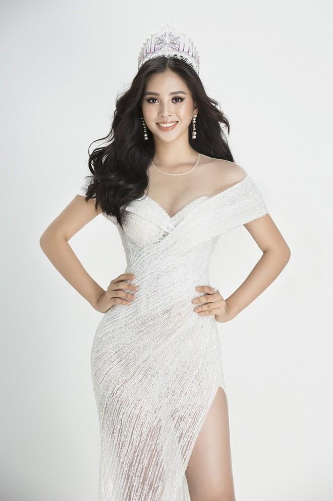 Soi đường học vấn của các Hoa hậu Việt: Đỗ Mỹ Linh hạnh phúc nhận tấm bằng vẻ vang, Kỳ Duyên tốt nghiệp hay chưa vẫn là dấu hỏi lớn - ảnh 10