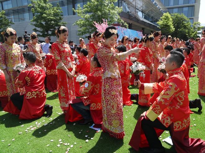 Ali Day: Lễ kết hôn tập thể do CEO Alibaba Jack Ma làm chủ hôn - Ảnh 8.